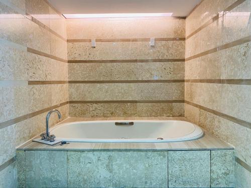 A bathroom at Hotel Champs Elysées