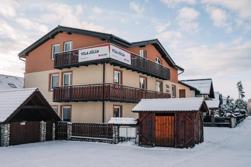 APLEND Bed & Breakfast Júlia during the winter