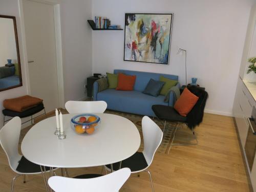 A seating area at ApartmentInCopenhagen Apartment 768