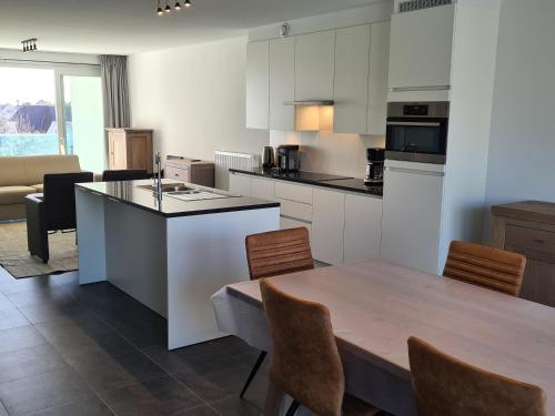 A kitchen or kitchenette at White Princess-Yzzis