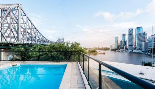 The swimming pool at or near Oakwood Hotel & Apartments Brisbane