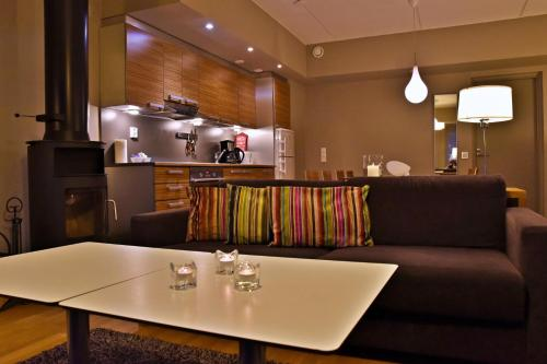 A restaurant or other place to eat at Levi Suites Unna Mànnu