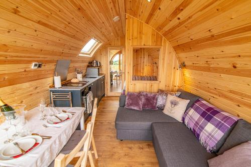 Schiehallion Luxury Glamping Pod with Hot Tub at Pitilie Pods