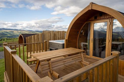 Farragon Luxury Glamping Pod with Hot Tub at Pitilie Pods