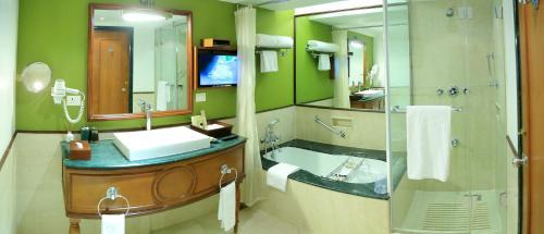 A bathroom at Taj Malabar Resort & Spa, Cochin.