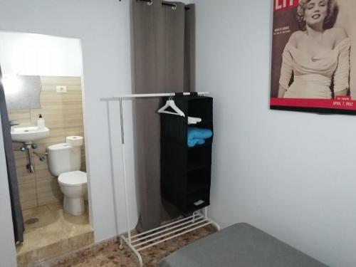 Un baño de Alcaravaneras Hostel