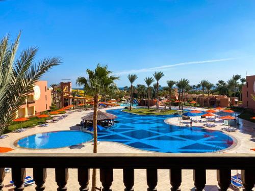 Вид на бассейн в Nubian Village Aqua Hotel или окрестностях