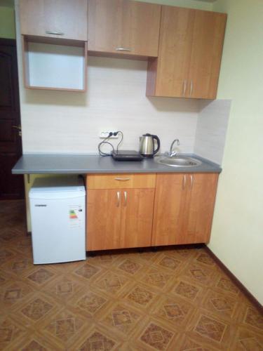 Кухня или мини-кухня в студия