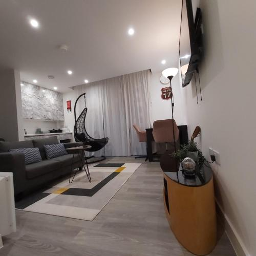 Lovely Studio Serviced Apartment Sheffield City Centre - Netflix, WiFi, Digital TV