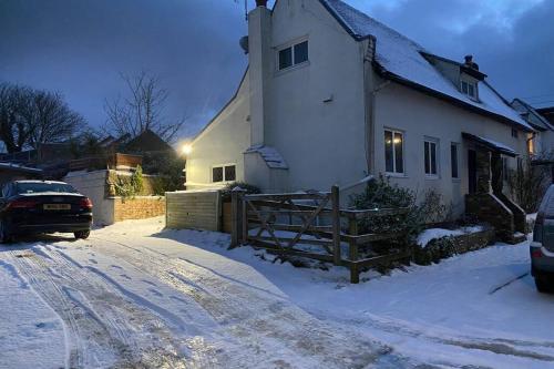 Ember Cottage, Guston