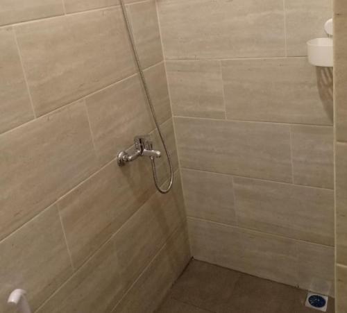 A bathroom at NYENYAK MRT Lebak Bulus Simatupang