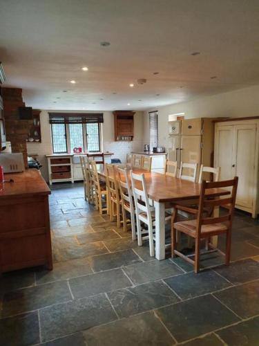 Contractor House for large groups with single beds