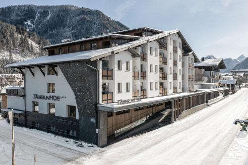 Funsport-, Bike- & Skihotelanlage Tauernhof im Winter