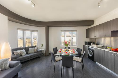 A seating area at Ledra Star Central Apartment