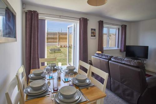 Arundel - Luxurious, Homely & Dog Friendly with Parking
