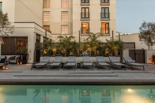 The swimming pool at or close to Kimpton La Peer Hotel, an IHG hotel