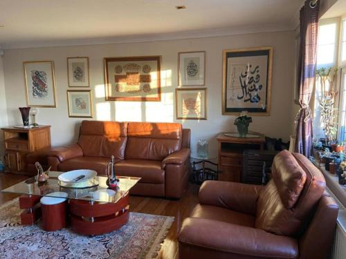 2-Bed luxurious House in High Wycombe