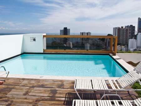 The swimming pool at or near Apartamento Princesa Isabel