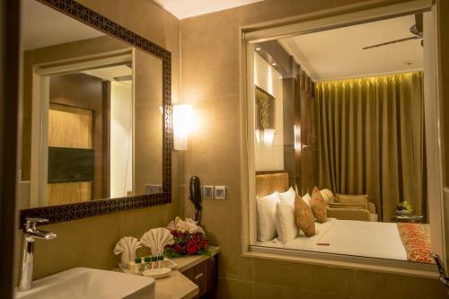 A bathroom at The Corinthians Resort & Club
