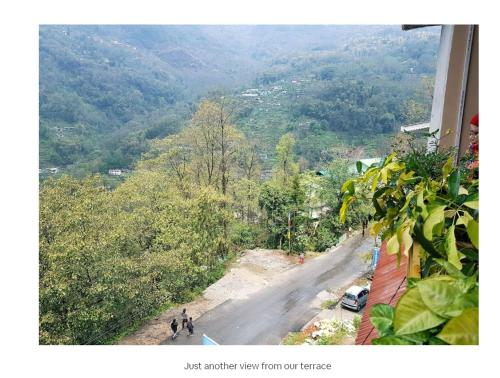 A general mountain view or a mountain view taken from the homestay