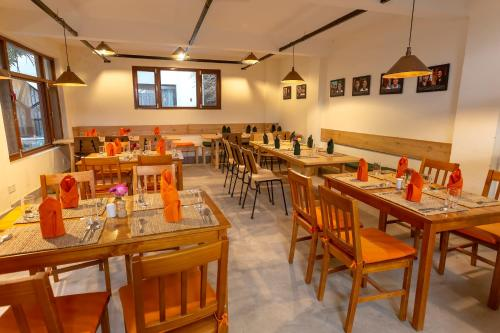 A restaurant or other place to eat at ROKPA Guest House