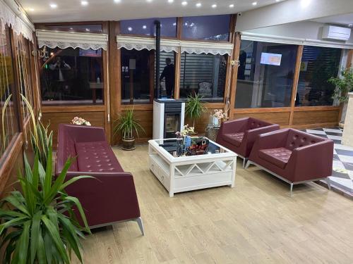 The lobby or reception area at ECEABAT GEZEN HOTEL