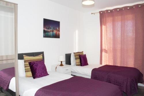 Beautiful 2 Bedroom Apartment! Ensuite! Lakeside