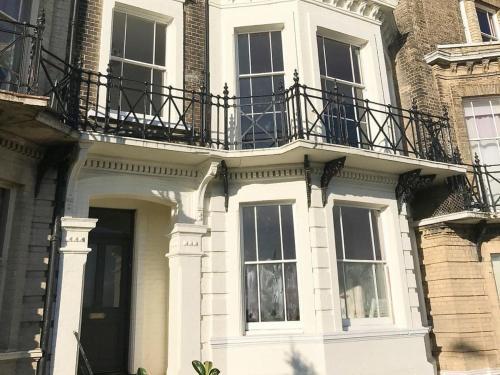 Kirkley Cliff House - UK32137
