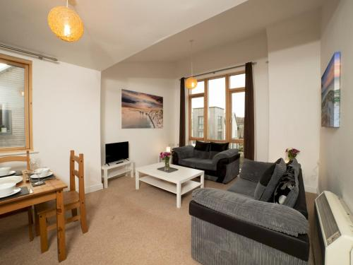 Pass the Keys Bright Flat - Perfect Get away from it all in Ryde