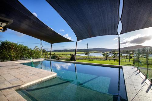 The swimming pool at or near Sunset Penthouse Couples Retreat, close to Airlie Beach, Champagne on arrival