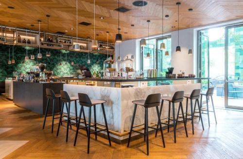 The lounge or bar area at Hyatt Regency Amsterdam