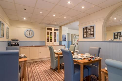 A restaurant or other place to eat at The Fountaindale Skegness