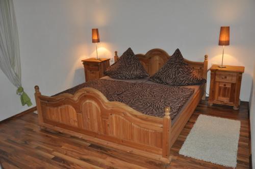 Ein Bett oder Betten in einem Zimmer der Unterkunft Fewo-Bernkastel-Kues