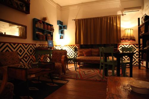 A seating area at Trip'n'Hostel