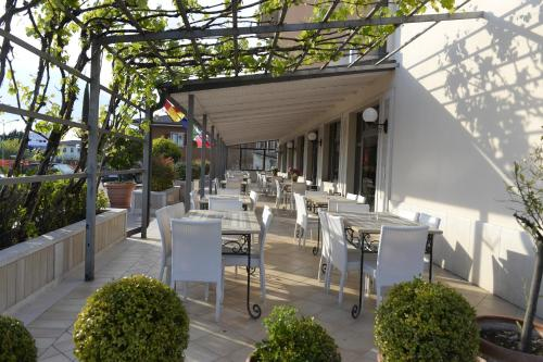 A restaurant or other place to eat at Hotel San Benedetto