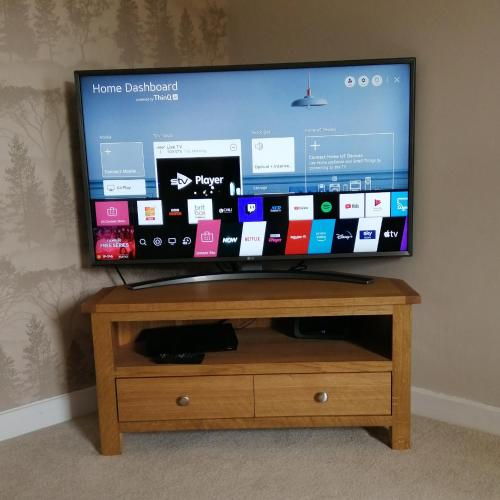 A television and/or entertainment centre at Buttermere Cottage