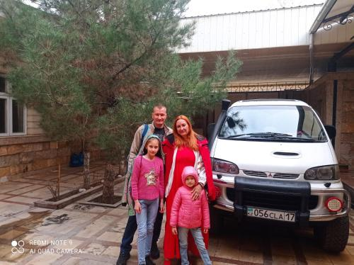 A family staying at Bukhara Prestige