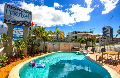 The swimming pool at or near Tropicana Motel