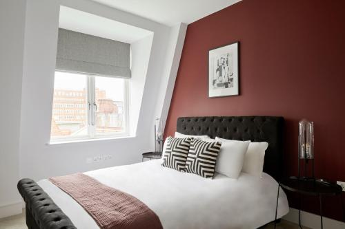 A bed or beds in a room at Sonder at The Arts Council, Westminster