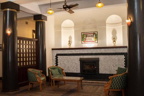 The lobby or reception area at Historic Hydro Motor Inn