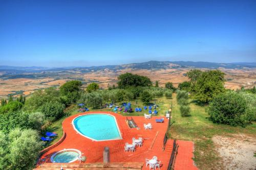 A view of the pool at Hotel Residence Villa Rioddi or nearby