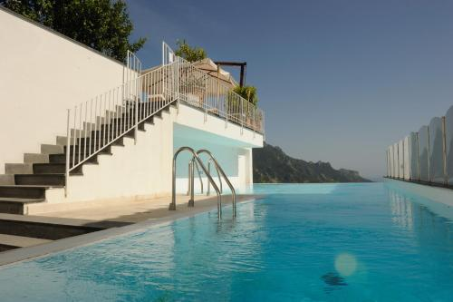 The swimming pool at or near Hotel Villa Fraulo