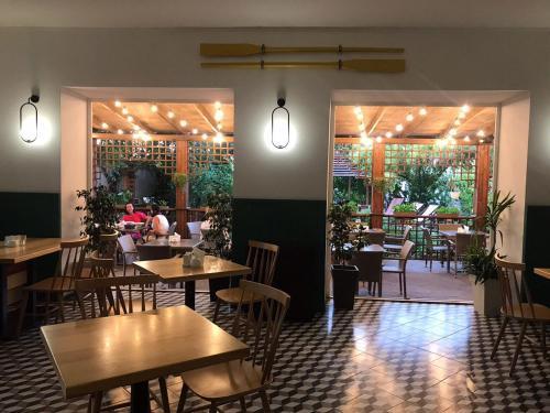 Ресторан / где поесть в Mandarin Hotel