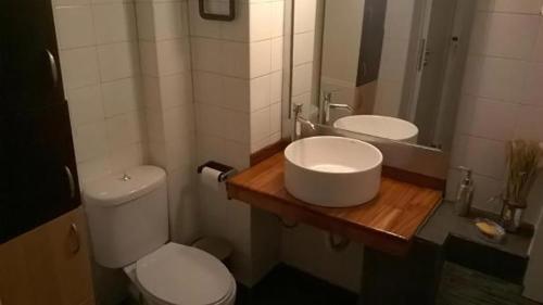 A bathroom at Elpidos Park