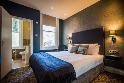A bed or beds in a room at No5 Durley Road