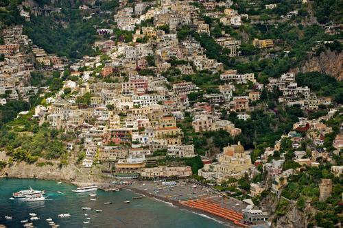 A bird's-eye view of Hotel Casa Albertina