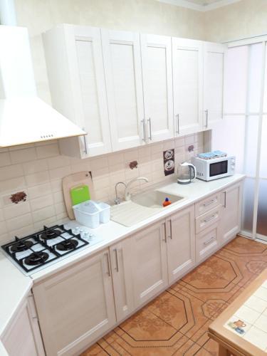A kitchen or kitchenette at Райский приют у моря