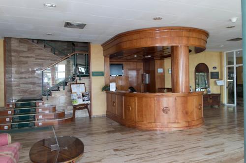 El vestíbulo o zona de recepción de ELE Hotel Puerta de Monfrague