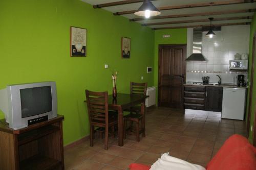 Una cocina o zona de cocina en Apartamentos Rurales Sierra de Béjar