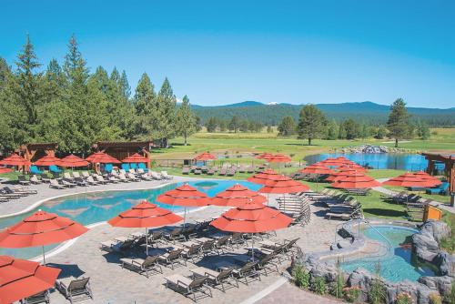 A view of the pool at Sunriver Resort or nearby